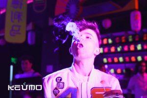 fiesta keumo evento bolas de dragon humo fiesta neon